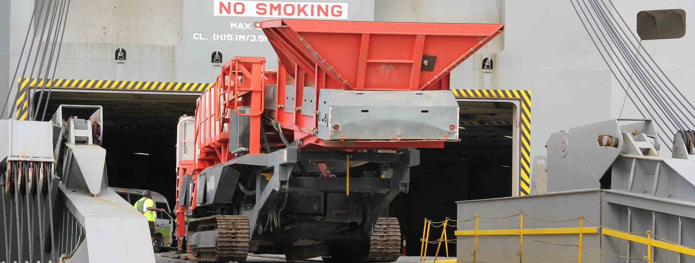 heavy lift tranport port freeport